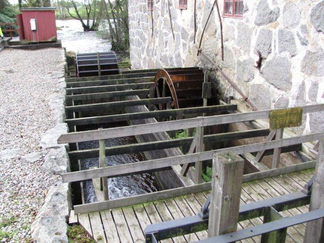 8 Vandmoller ved Huseby
