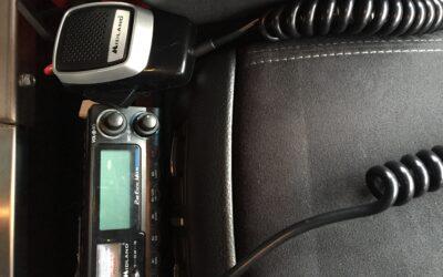 Lov om ændring for benyttelse af håndholdt teleudstyr og andre håndholdte kommunikationsapparater